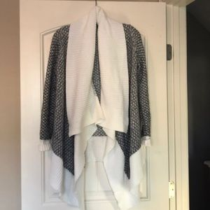 XSP Banana Republic Open Cardigan in gray & white.